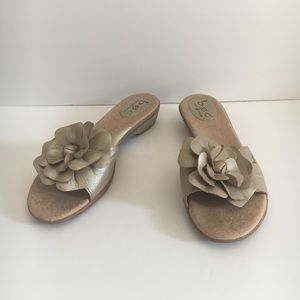 Born BOC Metallic Leather Flower Sandals Slides